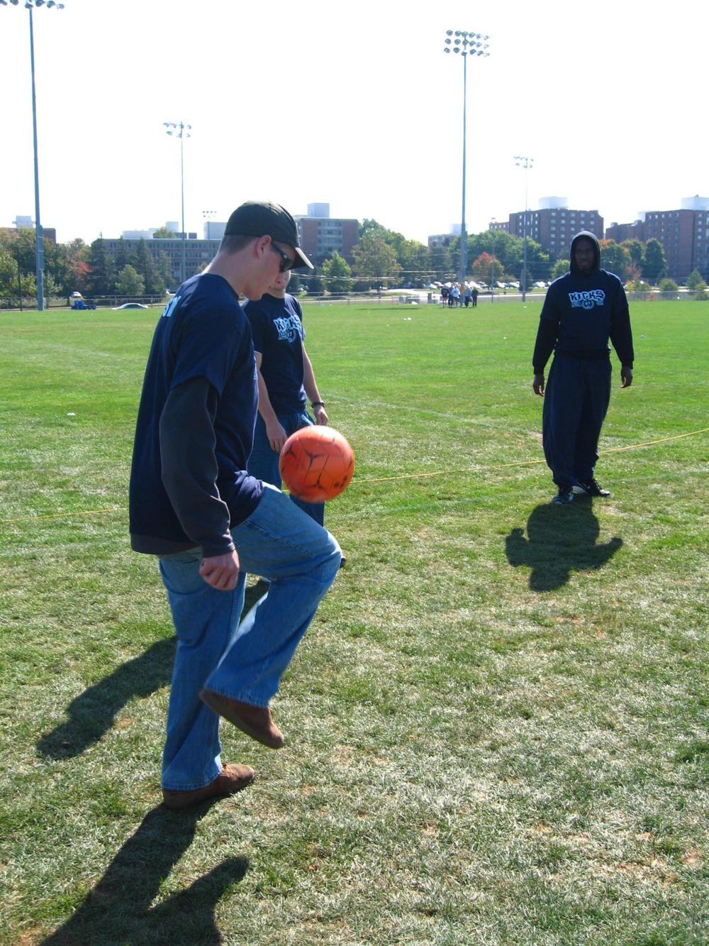 kicks-2007-10.jpg