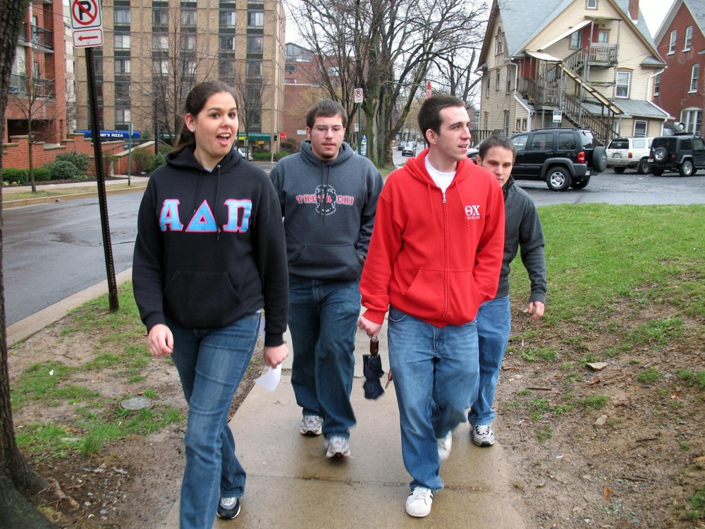 greekweek-apr-07-03.jpg