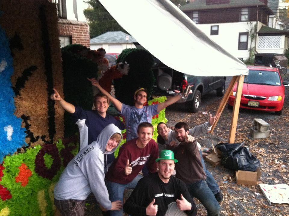 7 am and still going strong. Happy homecoming 2012 - OCt 5, 2012L to R: Aaron Speagle, Nick Stadtlander, Nick Lello, Mark Moseley, Alejandro Buxó, Jerry Crompton and Peter Blasco.