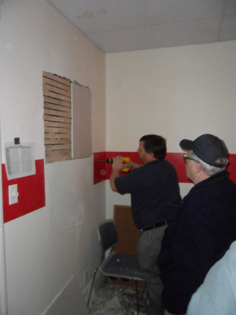 Jeff Damcott (L) and Mr. John Damcott