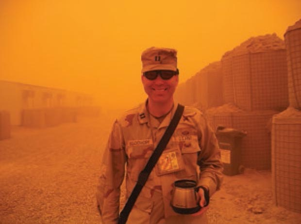 Ron enjoys a co ee during a sandstorm in Iraq, August 2005