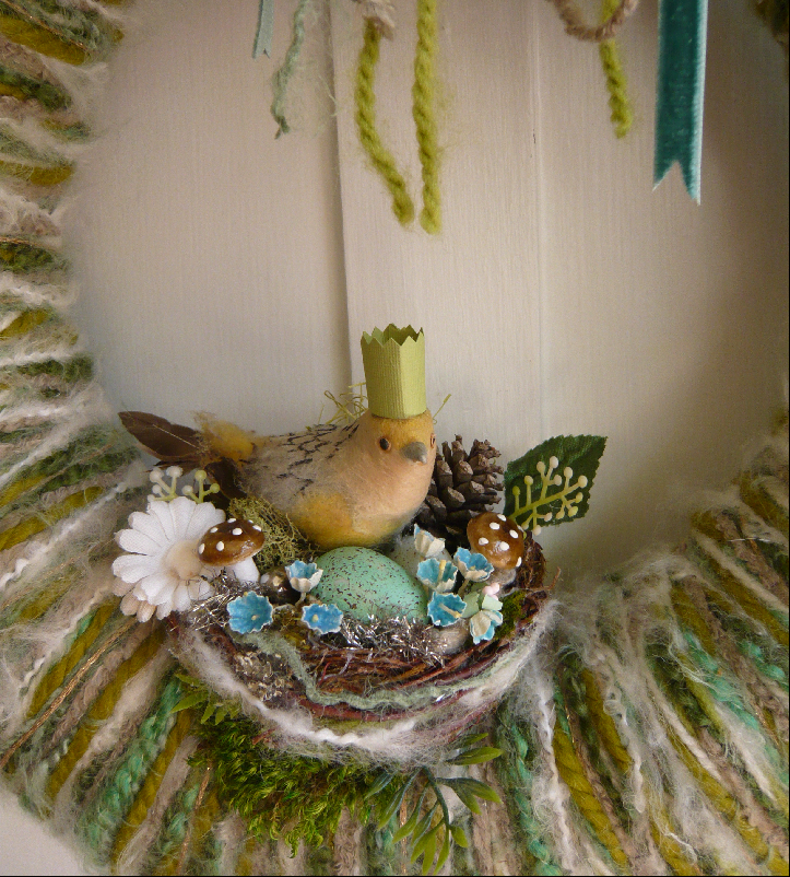 Bird Queen & Yarn Wreath, detail