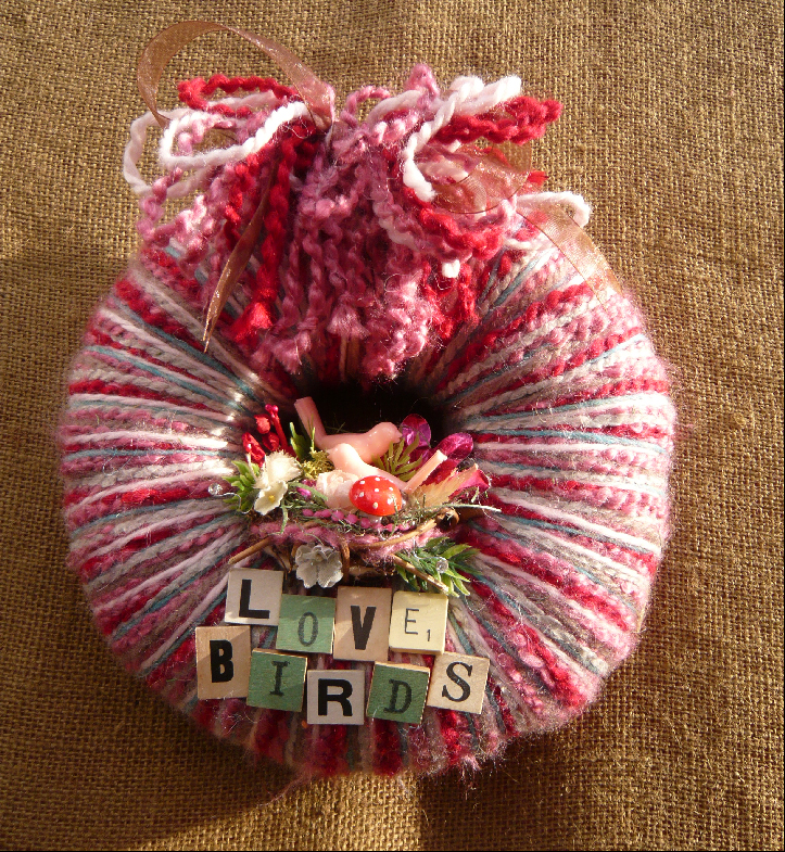 Love Birds Small Yarn Wreath