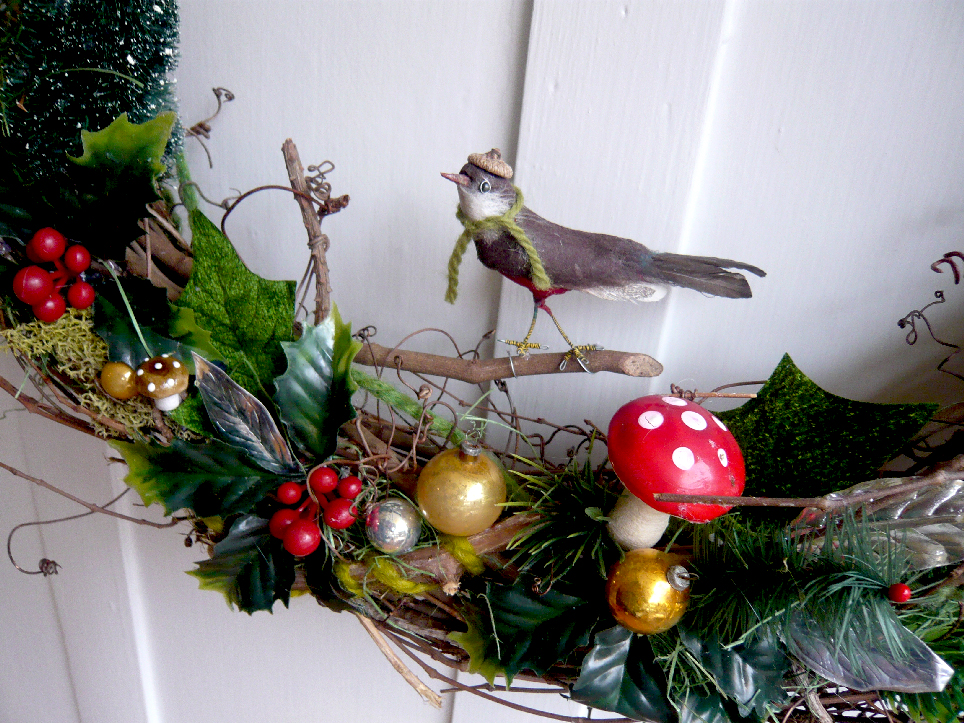 Holiday Twig & Bird Wreath, detail