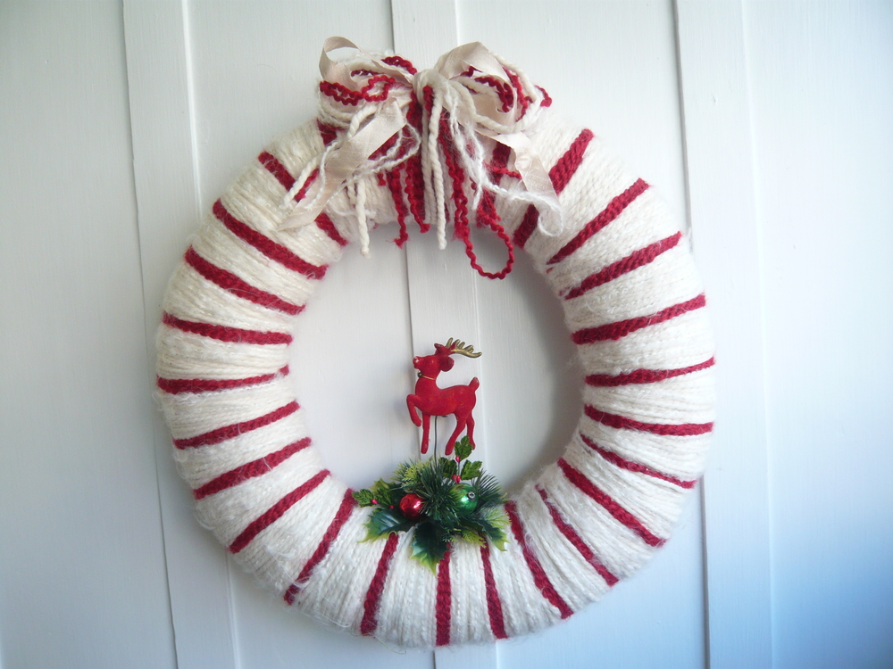 Red Reindeer Yarn Wreath