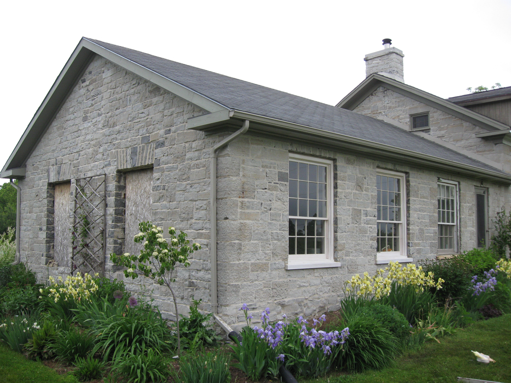 Limestone farmhouse.jpg