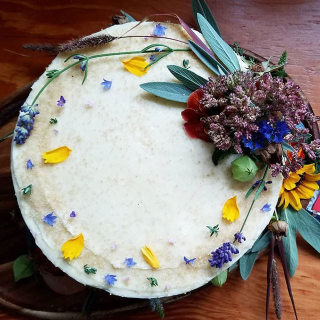 First day of Fall and my garden really delivered! Every colorful, edible bit of beauty for this sweet wedding cake came from my backyard! Love making cakes for friends' weddings...now to celebrate!  #smallbatchweddings #blainerwedding #BATCHbakeshop #eatbettercake #eatmoreflowers