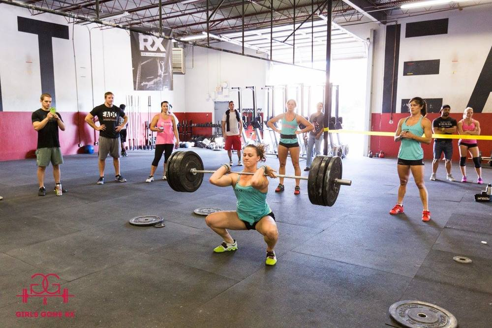 EaDo Elite Athlete Camzin Martin performing a clean and jerk during Girls Gone RX