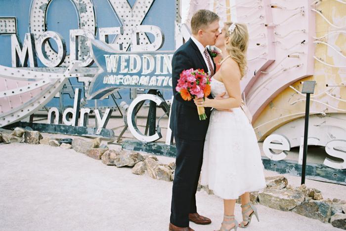 neon-museum-downtown-las-vegas-wedding-photo-10.jpg