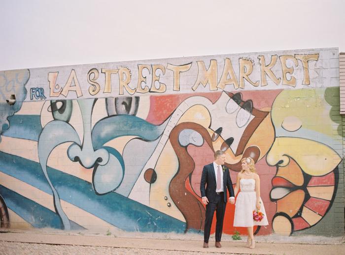 neon-museum-downtown-las-vegas-wedding-photo-26.jpg