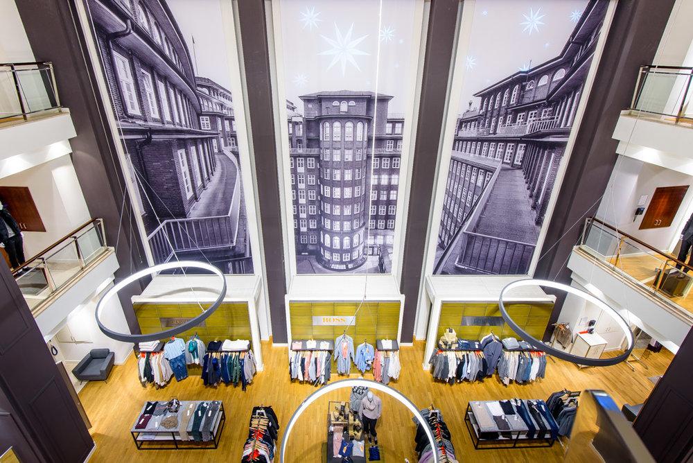 10 x 3,50 m große Architekturaufnahme vom Hamburger Chilehaus für das Atrium des Peek & Cloppenburg flagshipstores in der Hamburger Mönckebergstraße