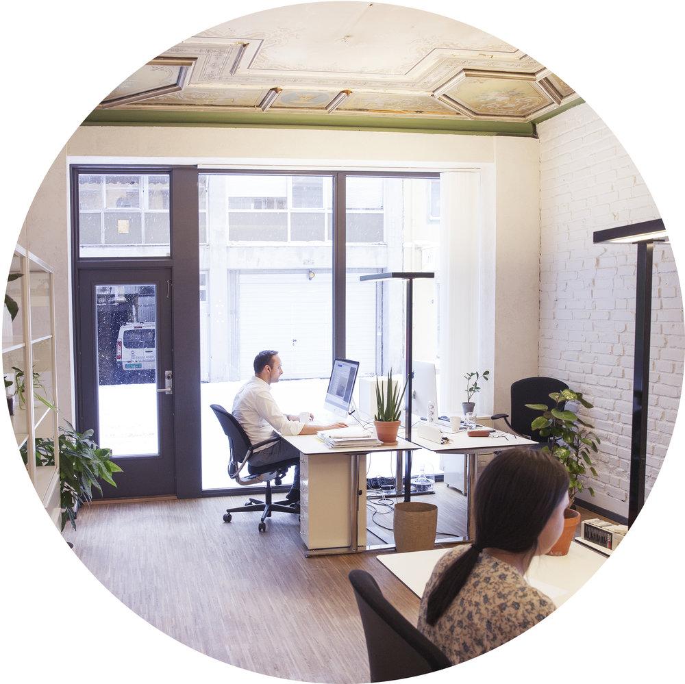 FJORD ARKITEKTER + FJORD INGENIØRER  Vi er et etablert arkitektkontor med høye ambisjoner for kvaliteten på arkitekturen og prosjekteringstjenestene vi leverer.Vårt mål er åintegrere kunnskap på en mer effektiv måte gjennom et nært samarbeid med alle ledd i byggeprosessen.Gjennom vårt søsterselskap, Fjord Ingeniører, kan vi tilby prosjekteringstjenester innen konstruksjon, bygningsfysikk og brann, og sammen er vi en totalleverandør av alt innen prosjektering og byggeledelse.