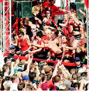 2003_Parade_0095.jpg