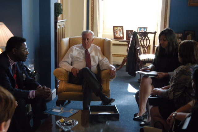 Participants in AANMA's Capitol Hill Day met with US Representative Steny Hoyer to discuss the need for funding ongoing asthma research and education programs.