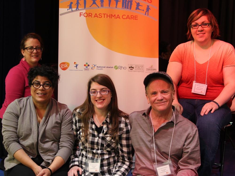 Bloggers at the GSK Asthma Summit: Back row: Andrea Jensen (www.asthmamomlife.blogspot.com), KatrinaGehman (@topnotchblog) Front row: Dia Sue-Wah-Sing (@dsuewahs),Kerri McKay (@KerriYWG),Stephen Gaudet (@breathinstephen)