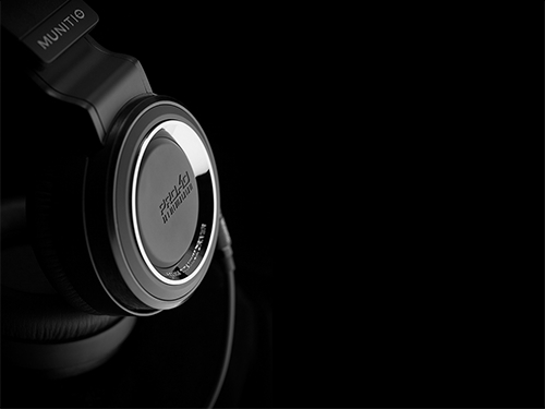 Sennheiser_HD800_Headphones_review.jpg