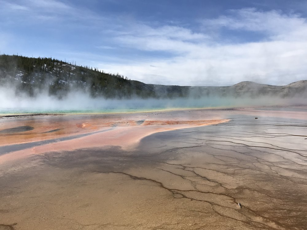 Beyond Old Faithful - Being only 90 mins away from the North entrance of Yellowstone National Park, coming here was the obvious choice...