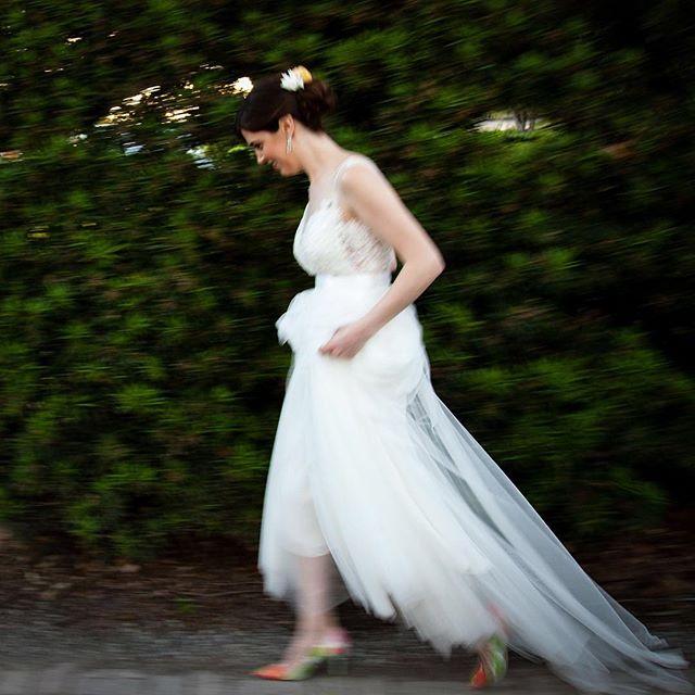 Running into the city to meet-up with an October bride! 🚂 👰 . . #weddingblog #weddingblogger #loveauthentic #junebugweddings #weddingphotos #weddingmoments #bridebook #vscowedding #huffpostweddings #newyorkweddingphotographer #nycweddings #theknot #radlovestories  #photobugcommunity @wedphotoinspiration @greenweddingshoes