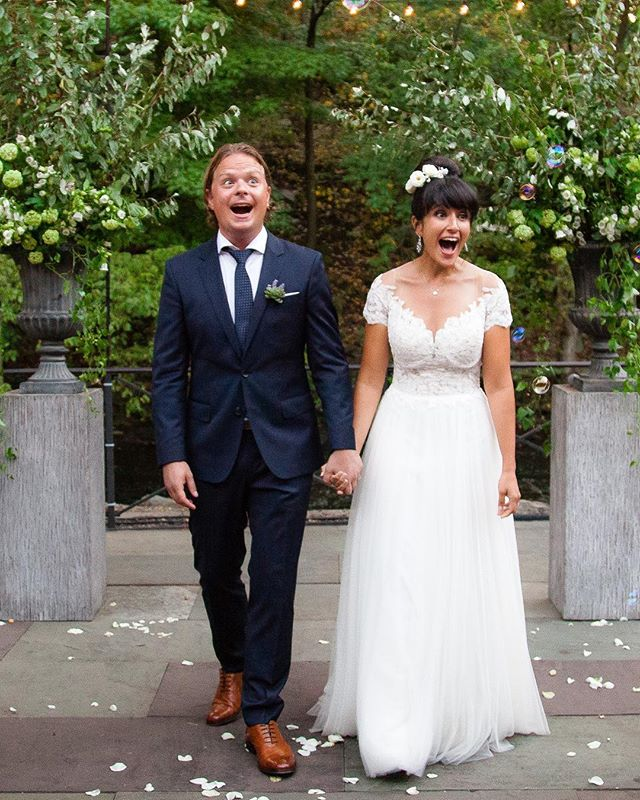 Happy 1st Anniversary to this dynamic duo! 🥂 . . . #weddingblog #weddingblogger #loveauthentic #realmoments #junebugweddings #weddingphotos  #weddingmoments #bridebook #vscowedding #huffpostweddings #newyorkweddingphotographer #nycweddings #theknot #radlovestories#photobugcommunity @wedphotoinspiration @greenweddingshoes