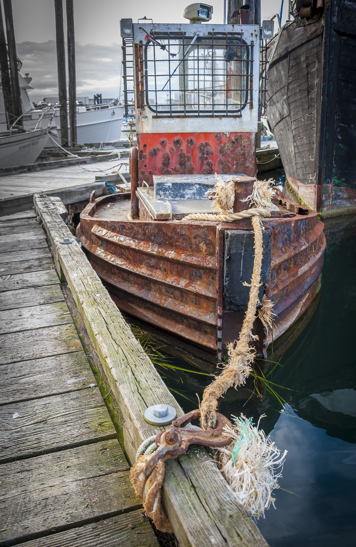 Working harbor log tug