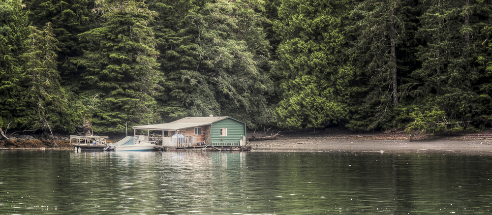 The floating fishing camp in Pamphlet Cove