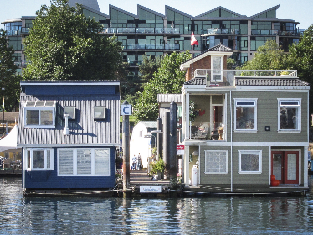 Homes that float in Victoria Harbour