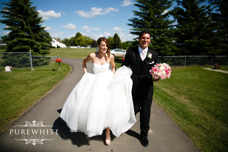 barn_field_hay_lakes_trail_wedding001