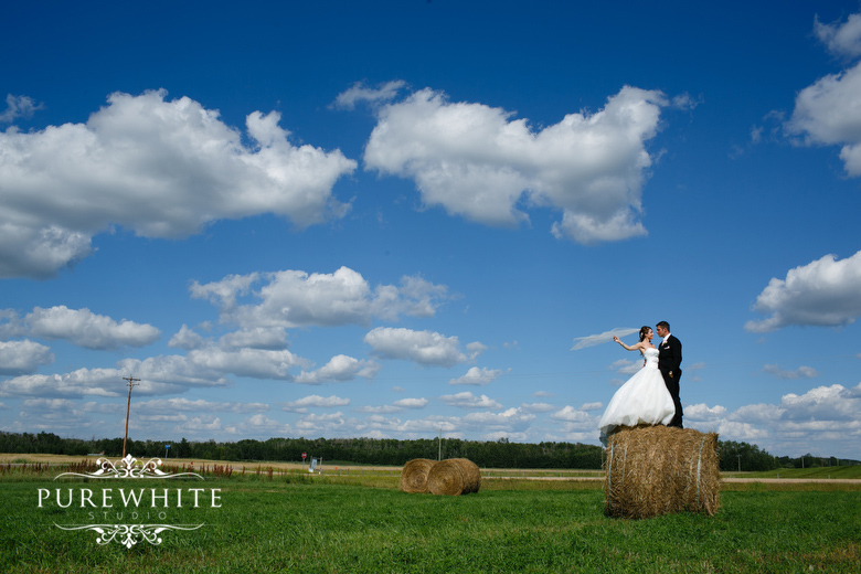 barn_field_hay_lakes_trail_wedding003