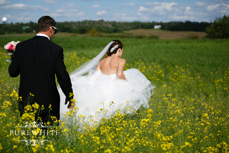 barn_field_hay_lakes_trail_wedding006