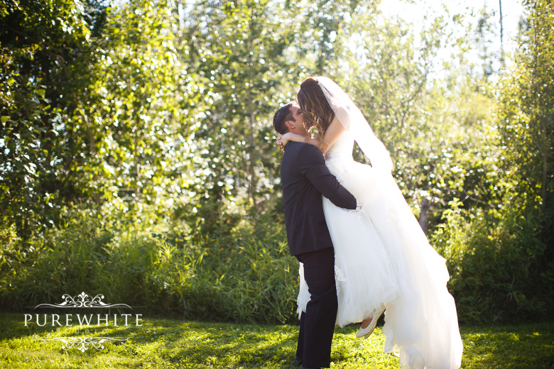 barn_field_hay_lakes_trail_wedding007