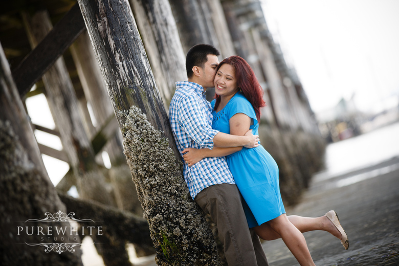 white_rock_pier_engagement014.jpg