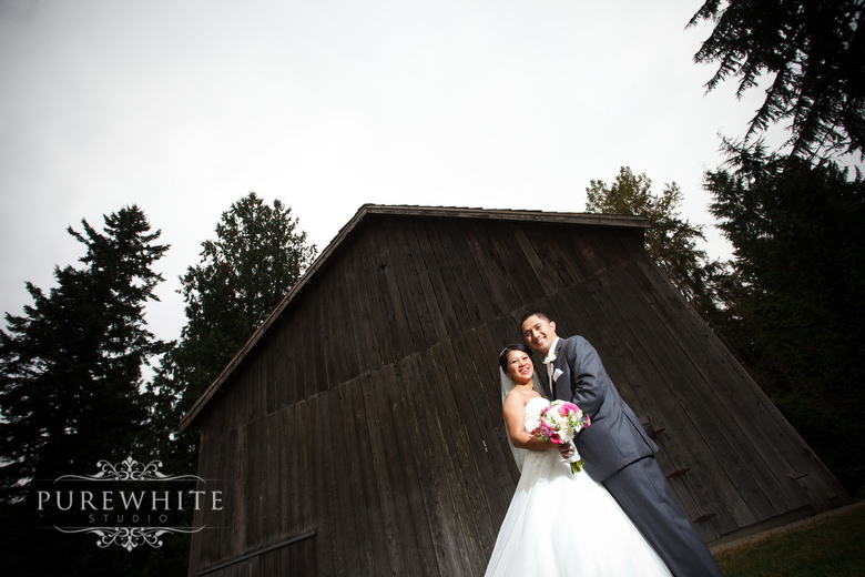 Rustic_barn_wedding.jpg