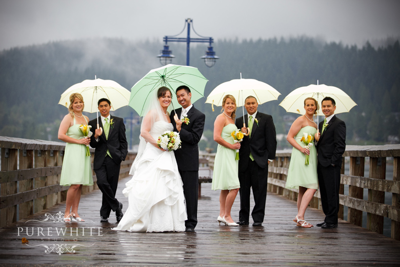 port_moody_wedding_rain_umbrella003.jpg