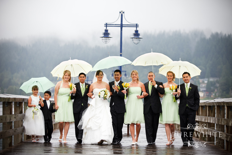 port_moody_wedding_rain_umbrella002.jpg