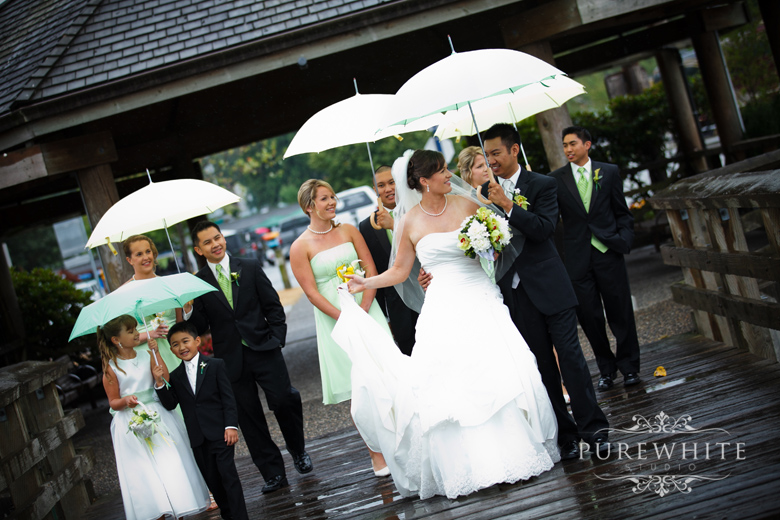 port_moody_wedding_rain_umbrella001.jpg