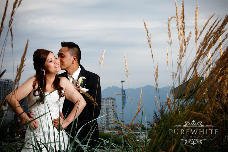vancouver_false_creek_olympic_village_wedding008.jpg