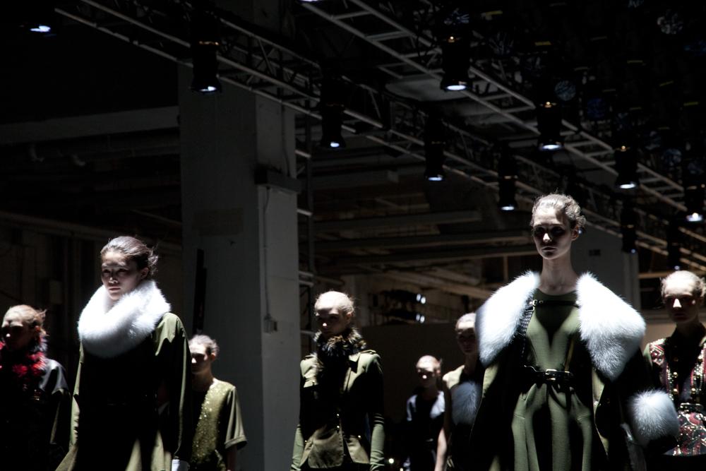 kathryn-wirsing-nyfw-backstage-11.jpg