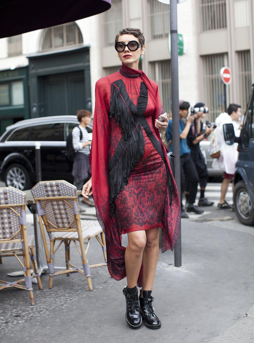 kathryn-wirsing-couture-week-streetstyle-22.jpg