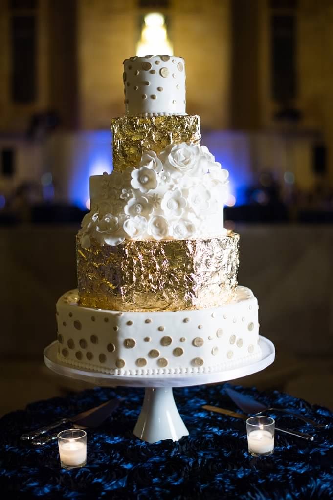 Photography:  Josh McCullock   Cake: Andrea Howard Cakes