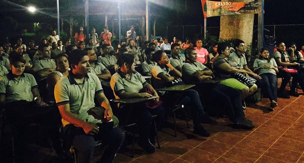 """Presentacion-grupo-teatral-""""Los-Muchachos-del-Barrio""""-en-Guanacaste-2.jpg"""