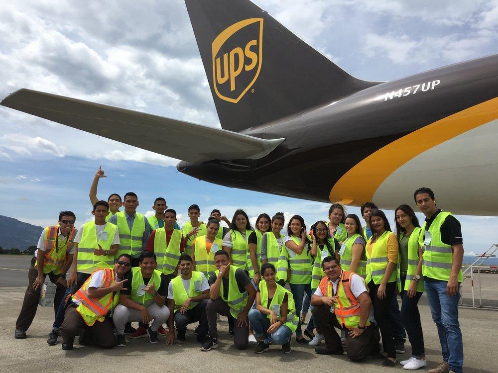 Visita de Estudiantes del Liceo de Chacarita a instalaciones de UPS Costa Rica.