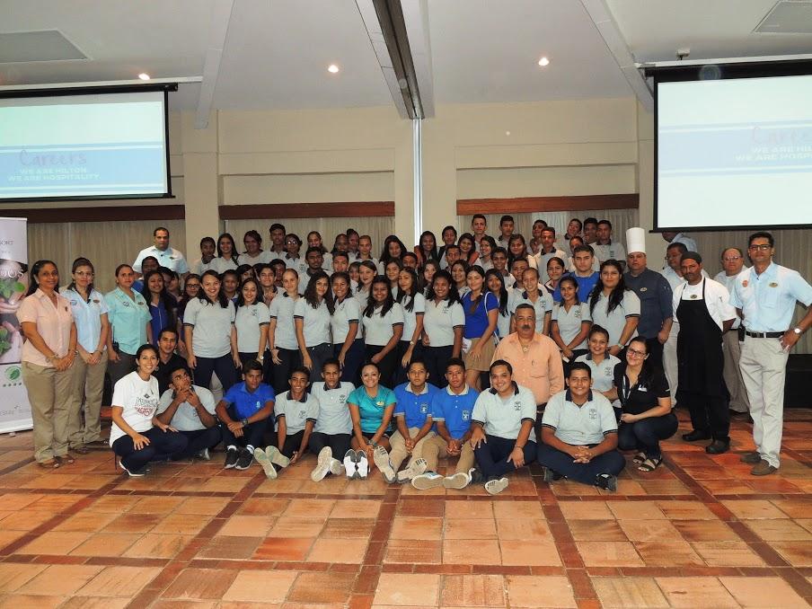 Estudiantes del Liceo de Chacarita, Puntarenas