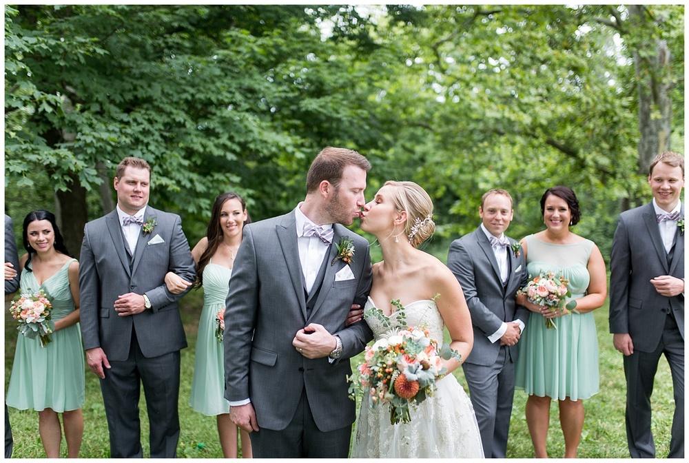 new-riff-distillery-wedding-cincinnati-photographer-everleigh-photography-21