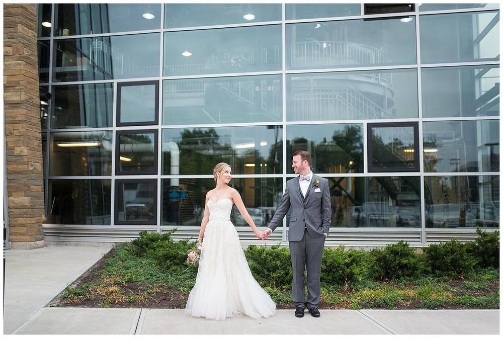 new-riff-distillery-wedding-cincinnati-photographer-everleigh-photography-36