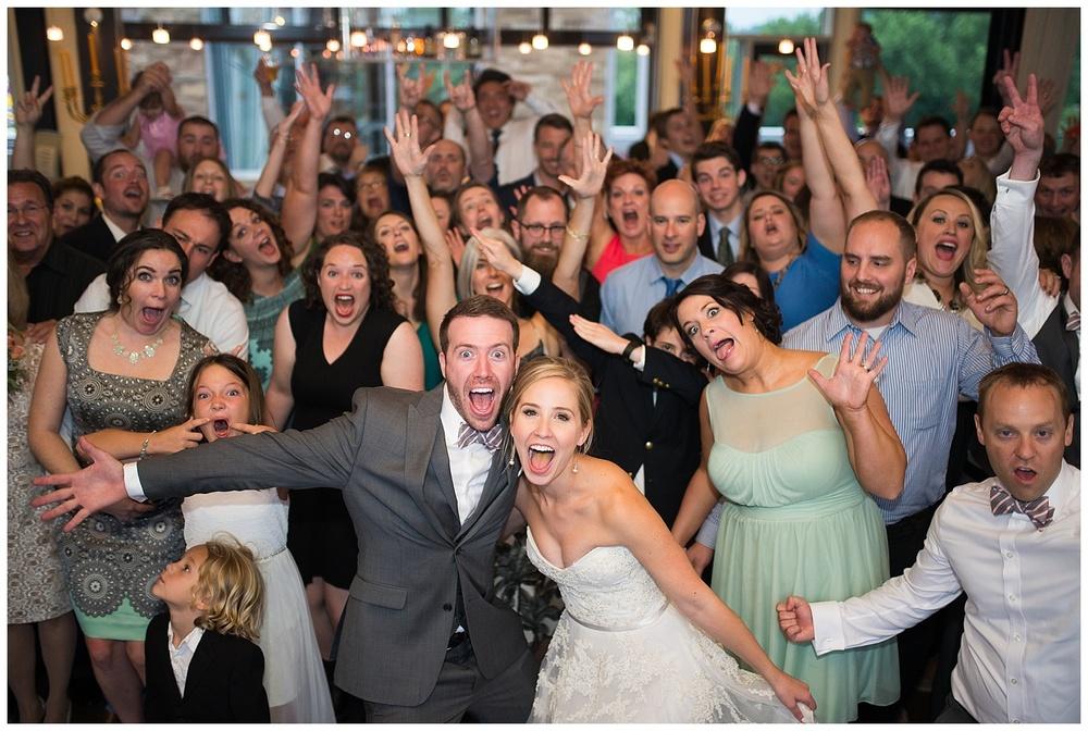 new-riff-distillery-wedding-cincinnati-photographer-everleigh-photography-42
