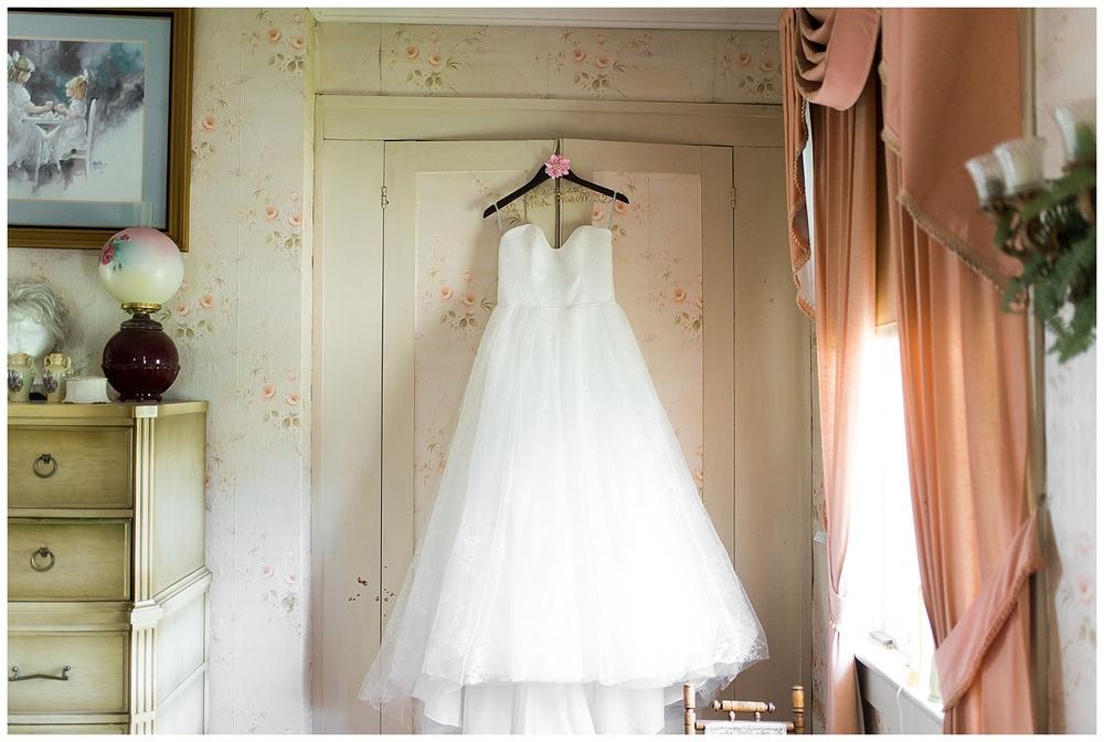 gesell-wedding-everleigh-photography-cincinnati-wedding-photography-napoleon-indiana-03