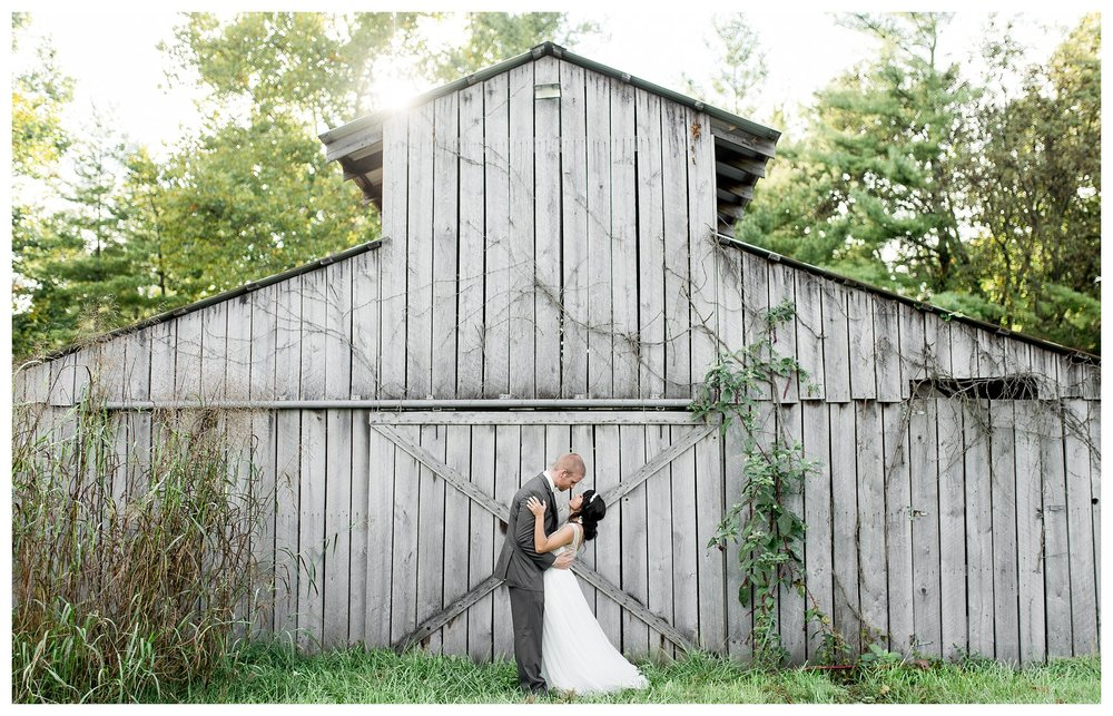 everleigh-photography-cincinnati-wedding-photographer-lake-lyndsay-wedding-hamilton-ohio_26