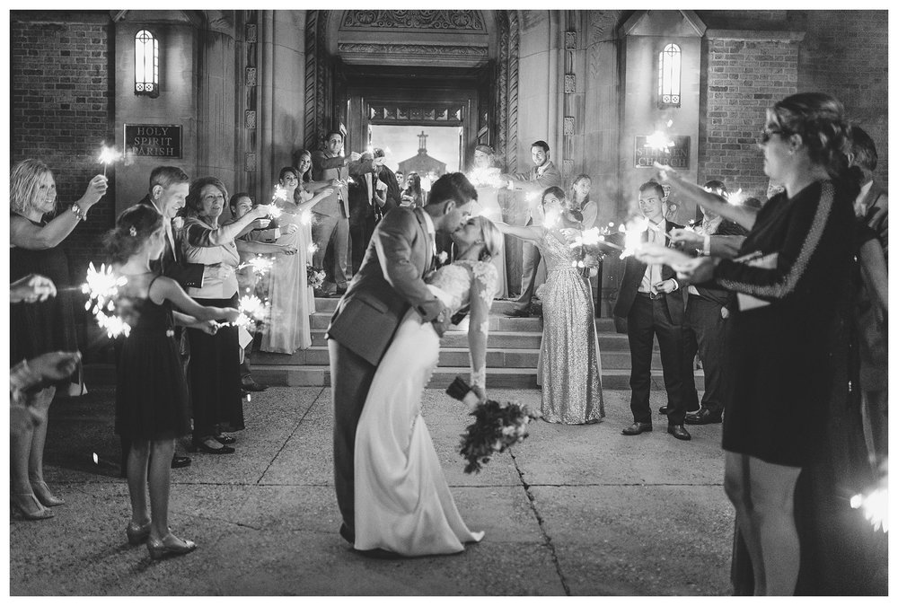 This sparkler shot gives me all the feels. Hope these two are having an amazing time in Cancun celebrating their marriage!!!