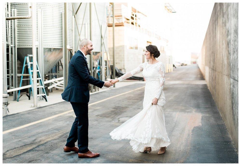 everleigh-photography-new-riff-distillery-cincinnati-wedding-photographer-northern-kentucky-wedding-photographer-jamie-and-dan-34