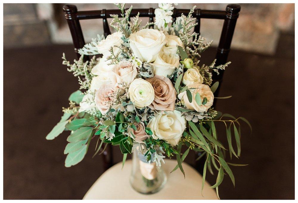everleigh-photography-cincinnati-wedding-photographer-monastery-event-center-kentucky-wedding-photographer-03